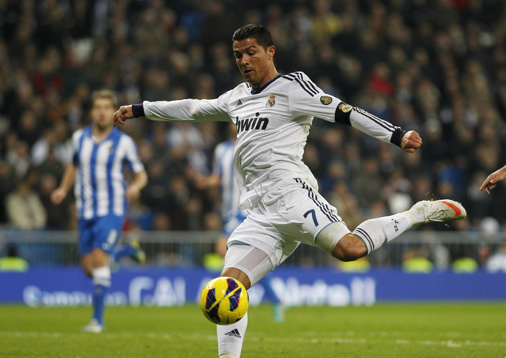 Hd Free Cristiano Ronaldo Kick Football Mobile Desktop