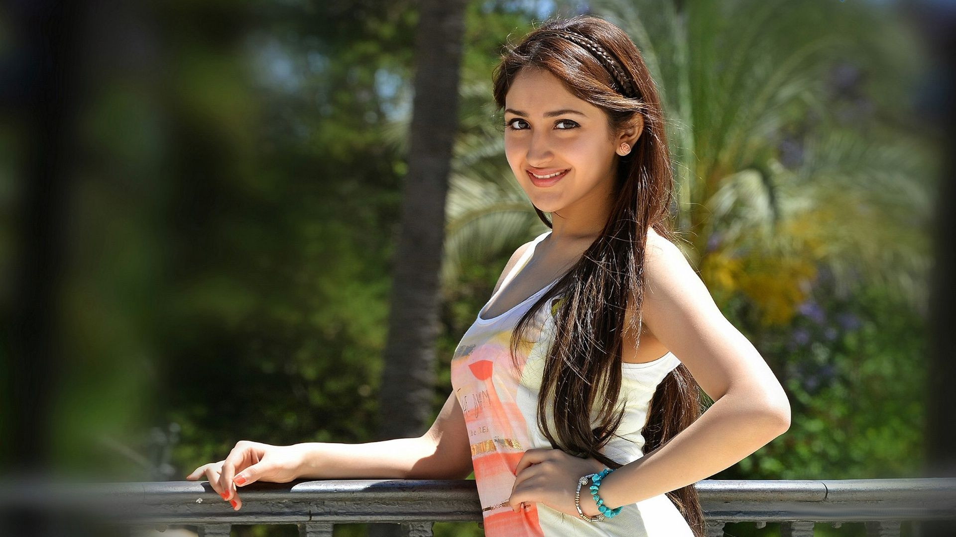 sayesha saigal wallpapers hd backgrounds images free photo download