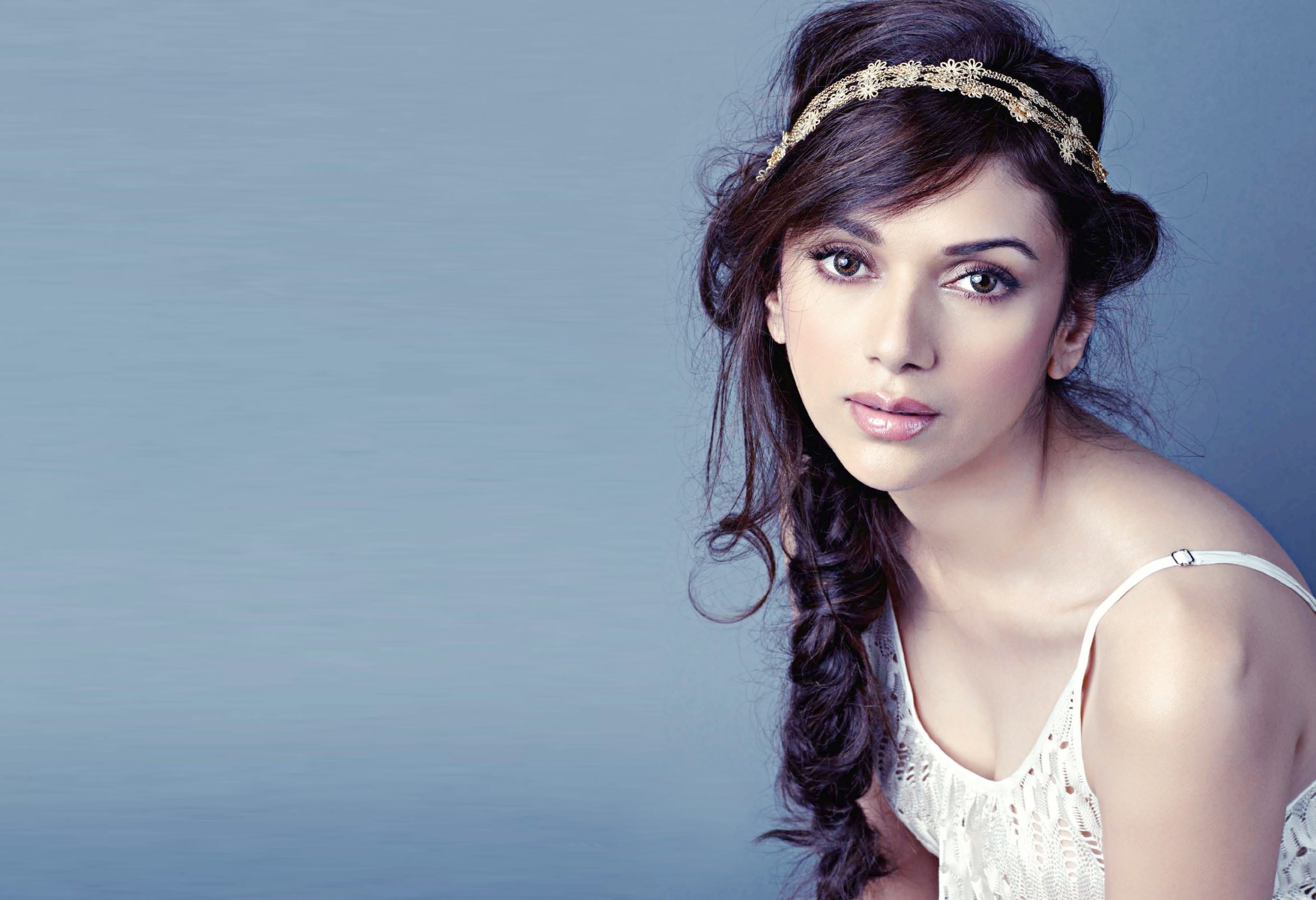 Beautiful Aditi Rao Hydari Hd Desktop Mobile Wallpaper