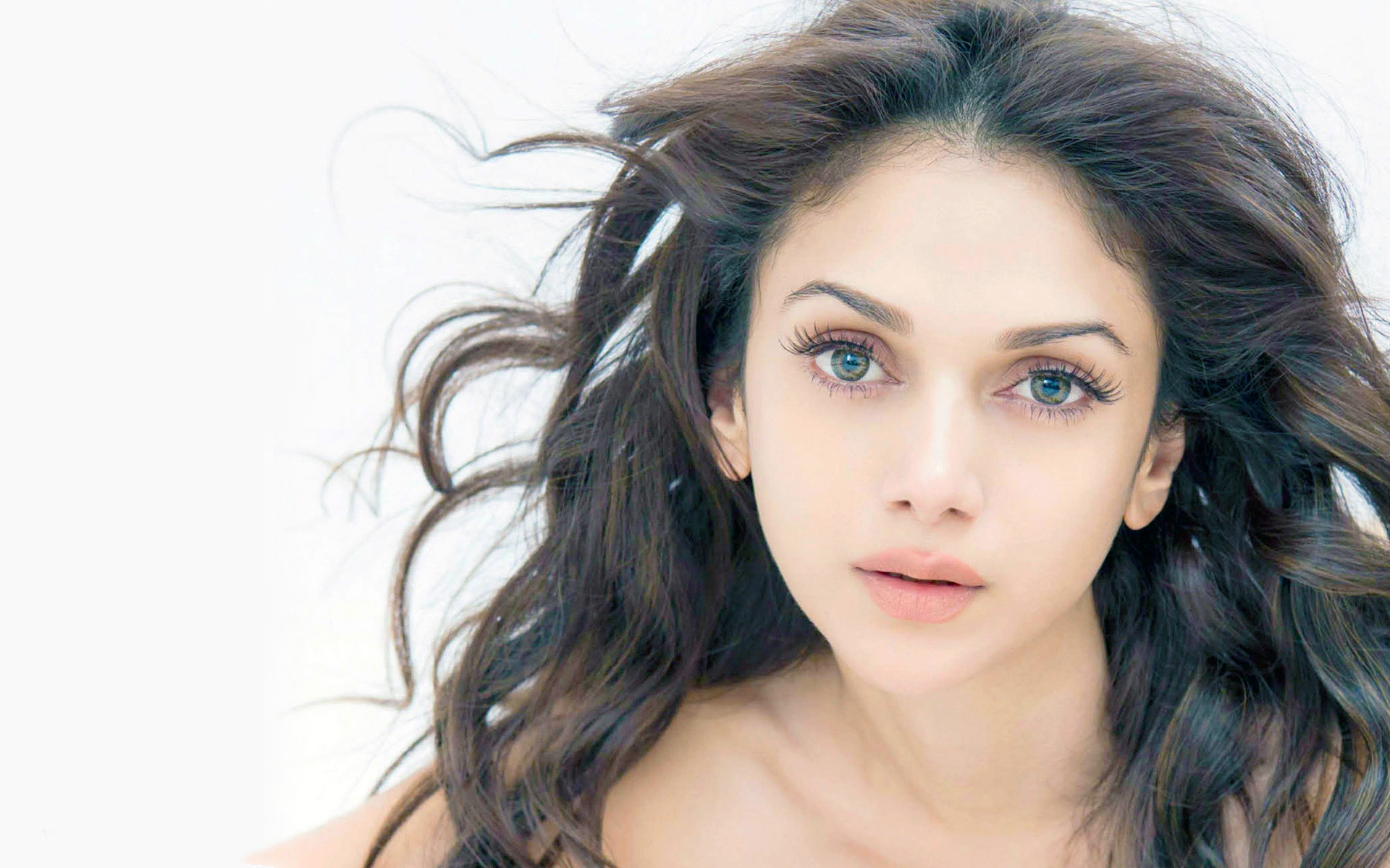 Cute Face Aditi Rao Hydari Mobile Desktop Free Hd Wallpaper