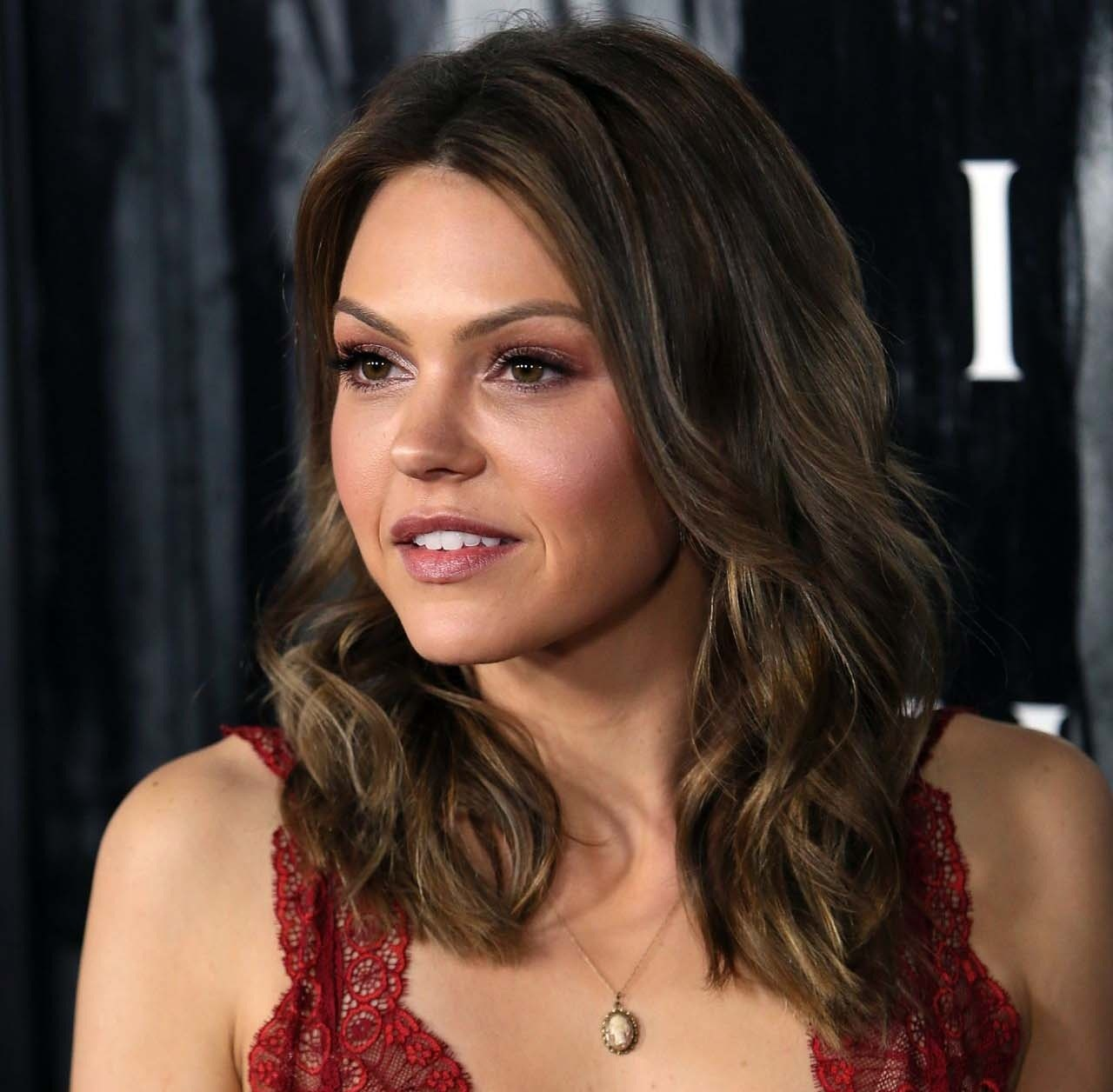 Aimee Teegarden Beautiful Hot Look Pictures