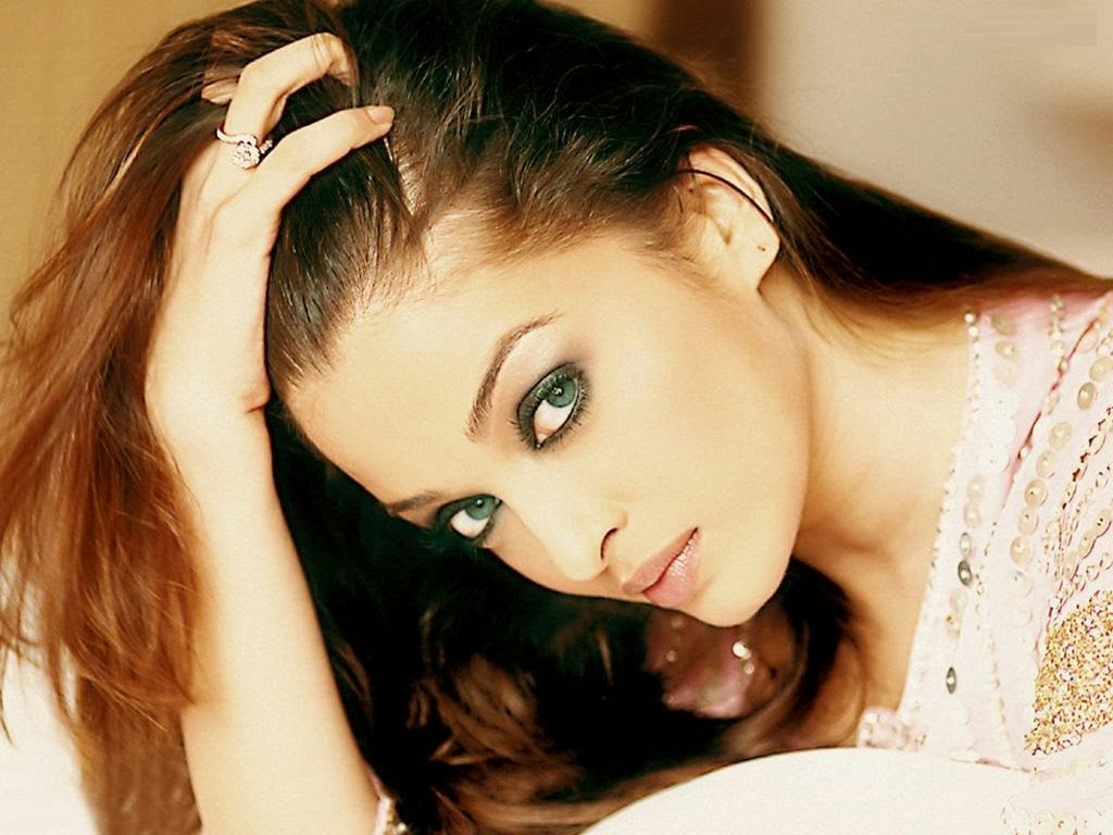 Aishwarya Rai Hd Mobile Desktop Free Wallpapers