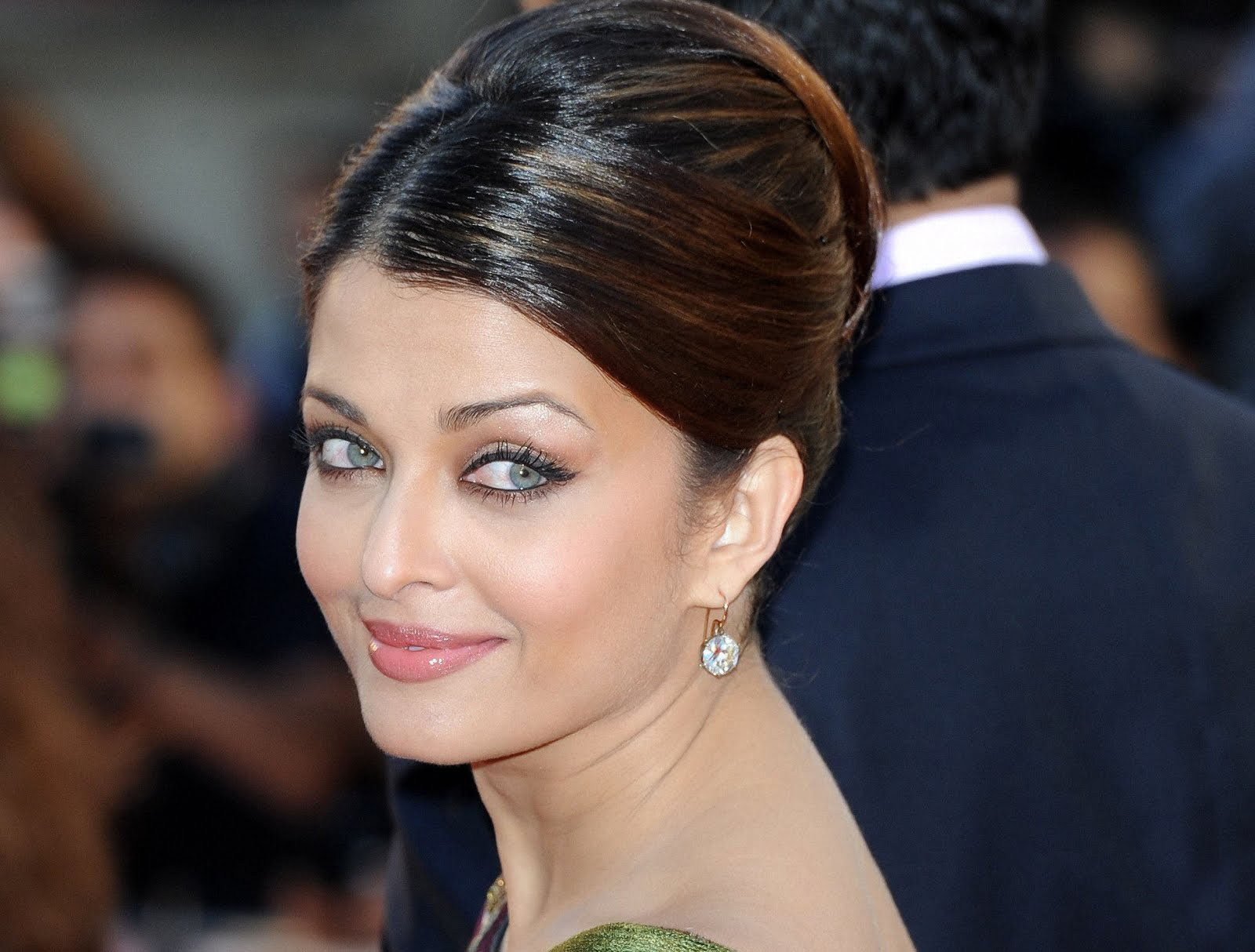 stylish aishwariya rai mobile desktop hd images background