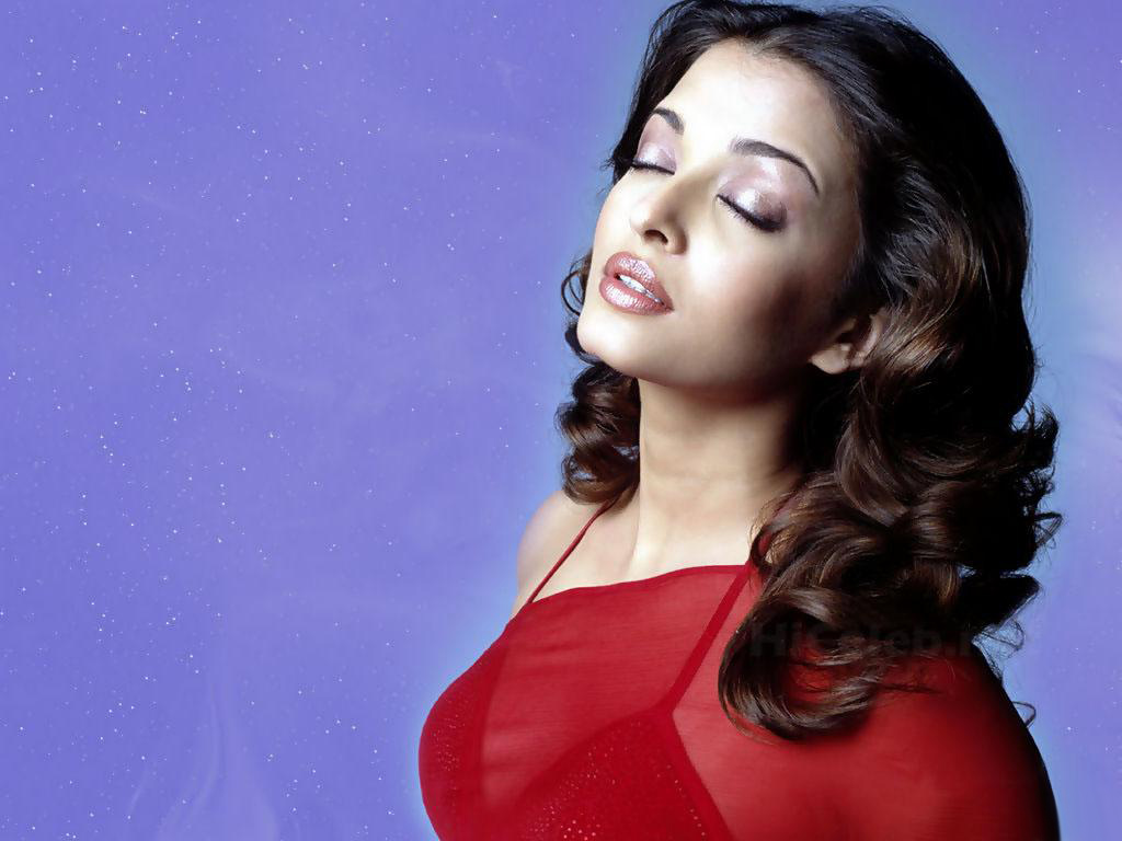 wonderful aishwarya rai in red saree wallpaper