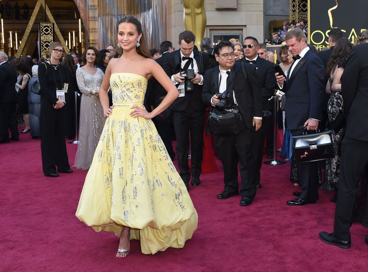 Hd Alicia Vikander Beautiful Oscar Award Still Download Laptop Background Free Pictures