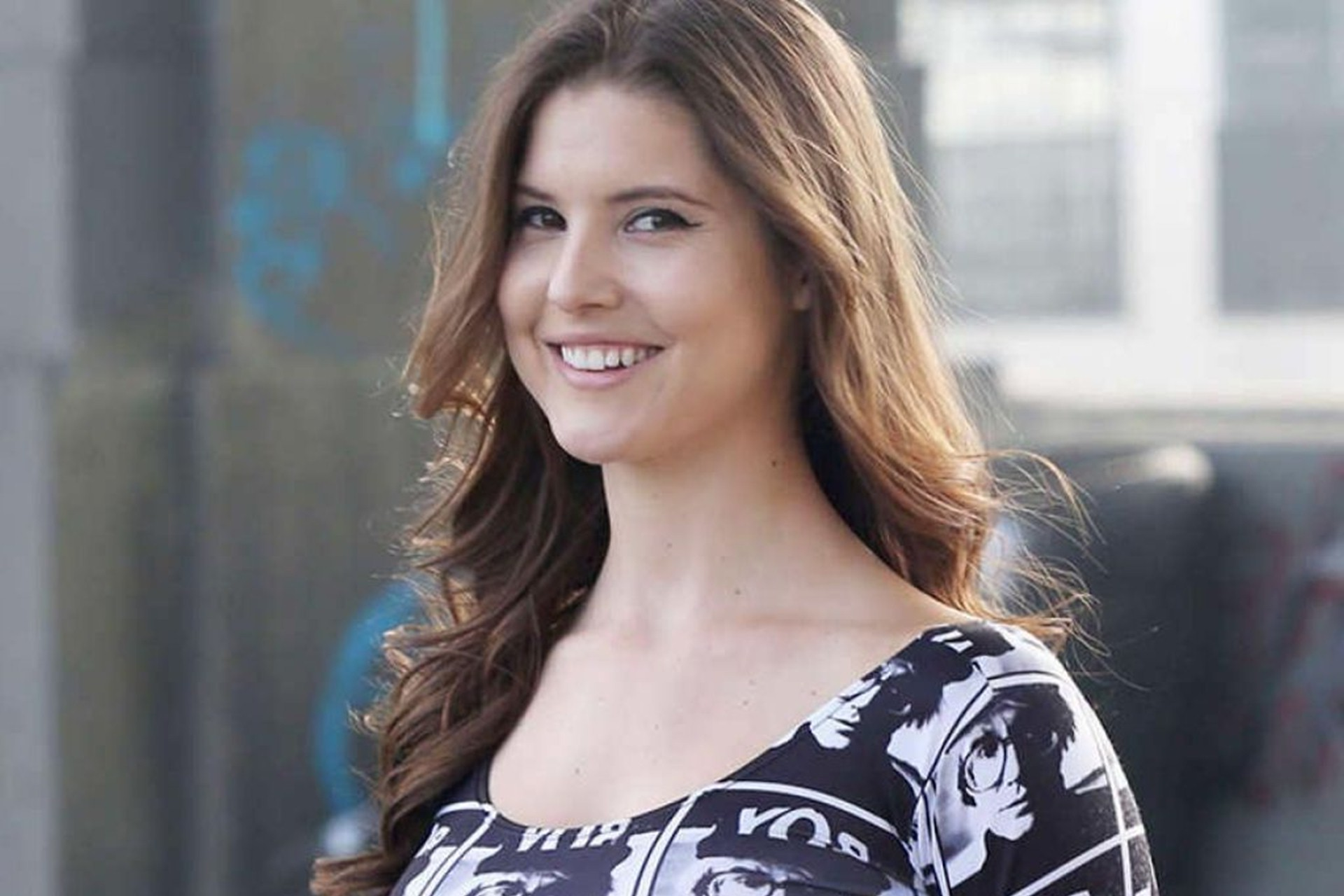 cute amanda cerny laugh computer hd background free photos