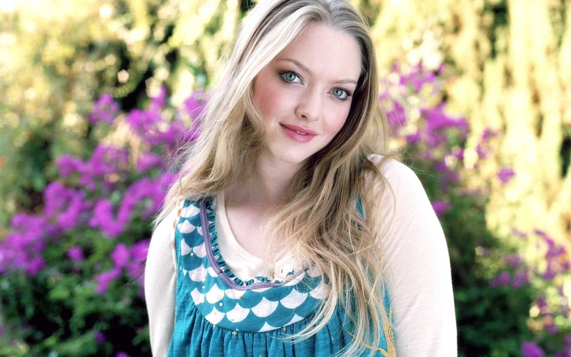 amanda seyfried beautiful hd look computer free background wallpaper