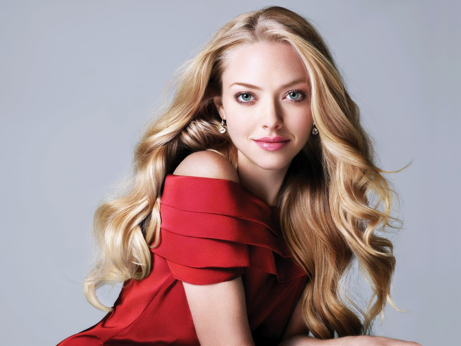 desktop amanda seyfried beauty look laptop hd images free