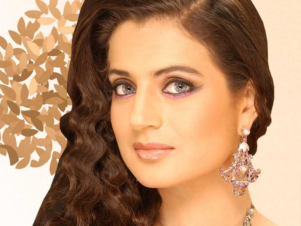 Beautiful Ameesha Patel Look Free Desktop Mobile Background Hd Wallpaper