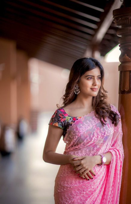 4k amritha aiyer saree latest cute smiling face hd photos wallpapers