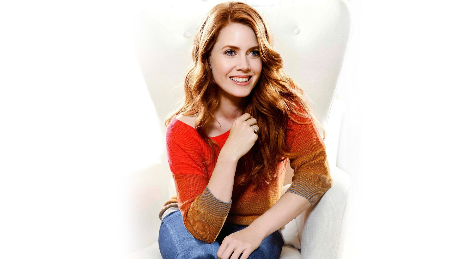fantastic amy adams lovely sitting pose still background mobile free hd download photo