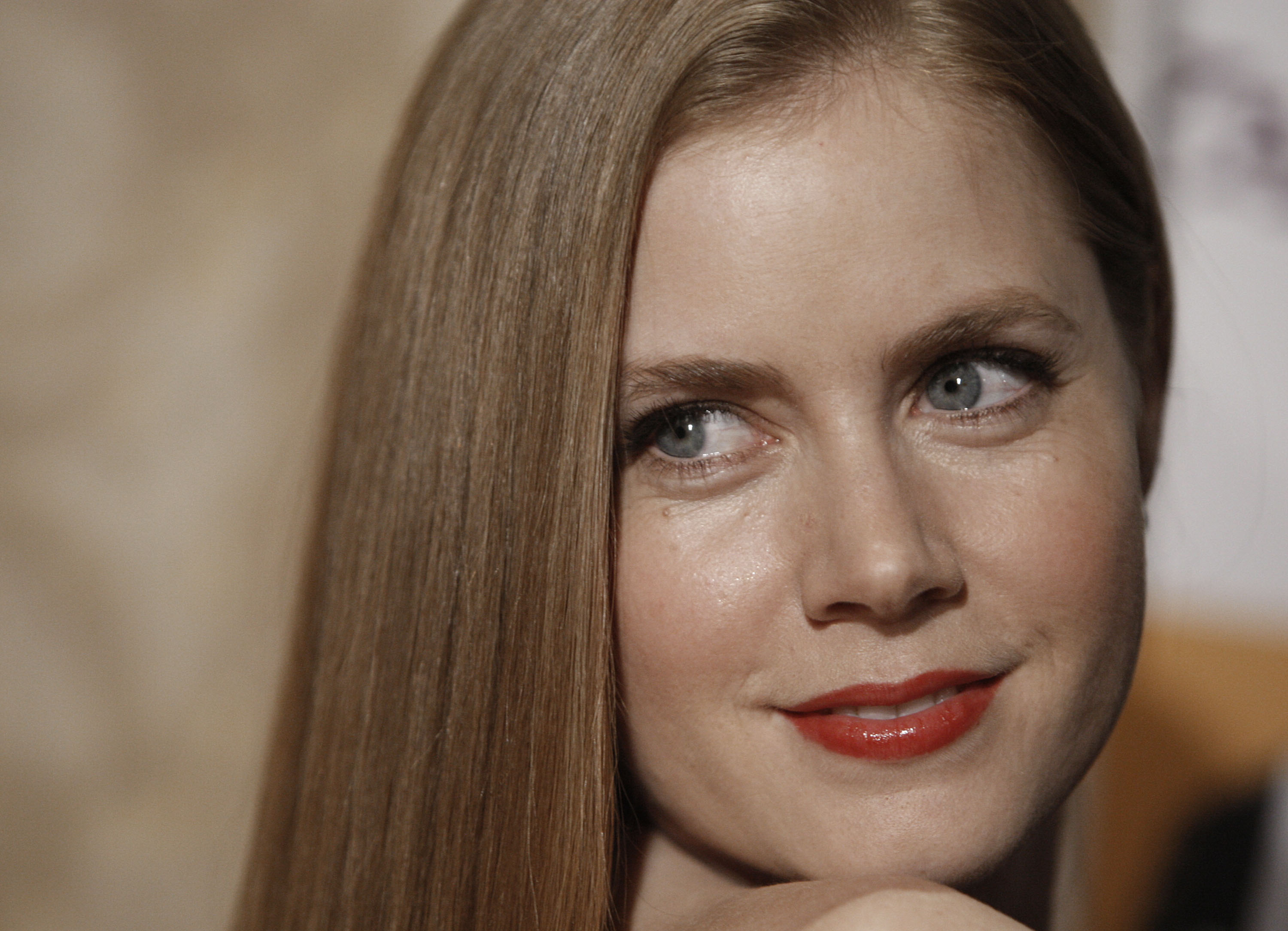 Hd Amy Adams Excellent Pose Laptop Free Background Download Photo