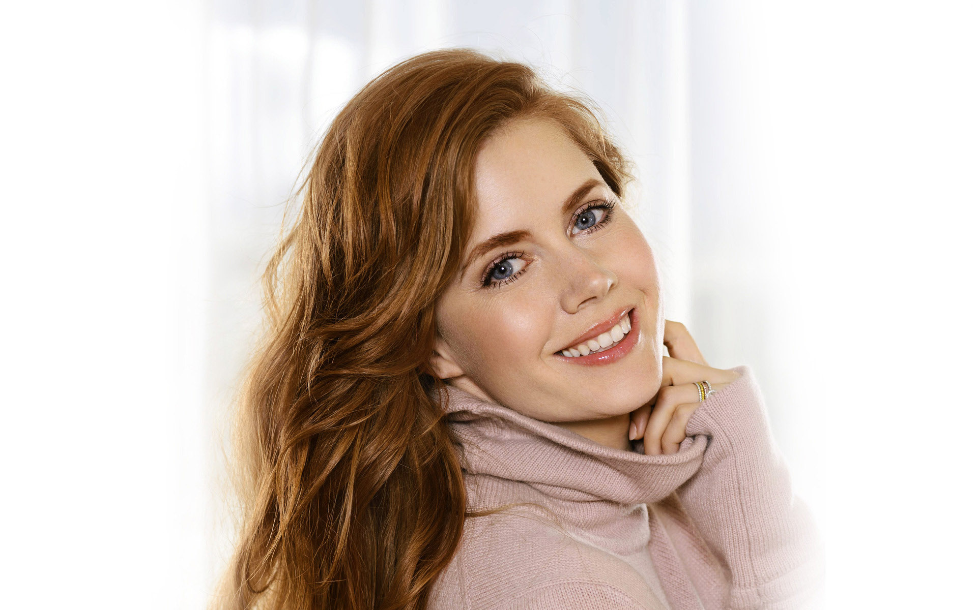 lovely amy adams cute smiling side look face still background hd mobile free images desktop