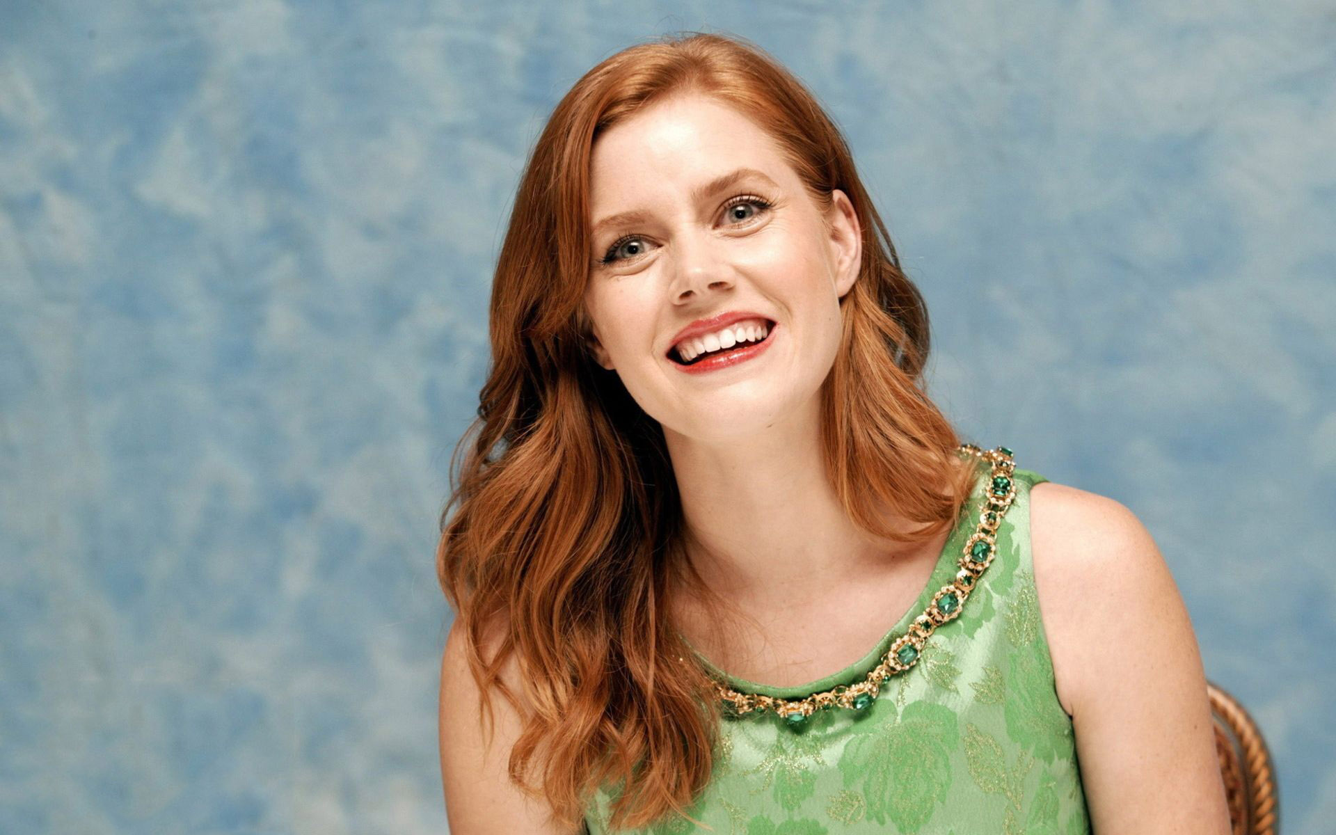 stunning amy adams excellent smiling face look hd background mobile free images desktop