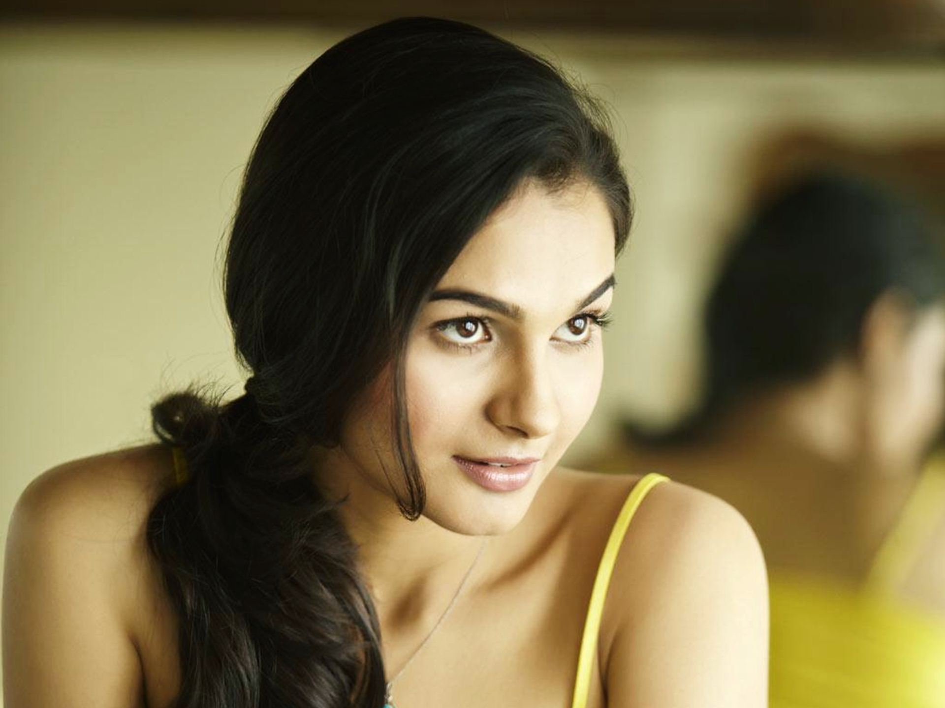 Download Andrea Jeremiah Beautiful Latest Wallpapers