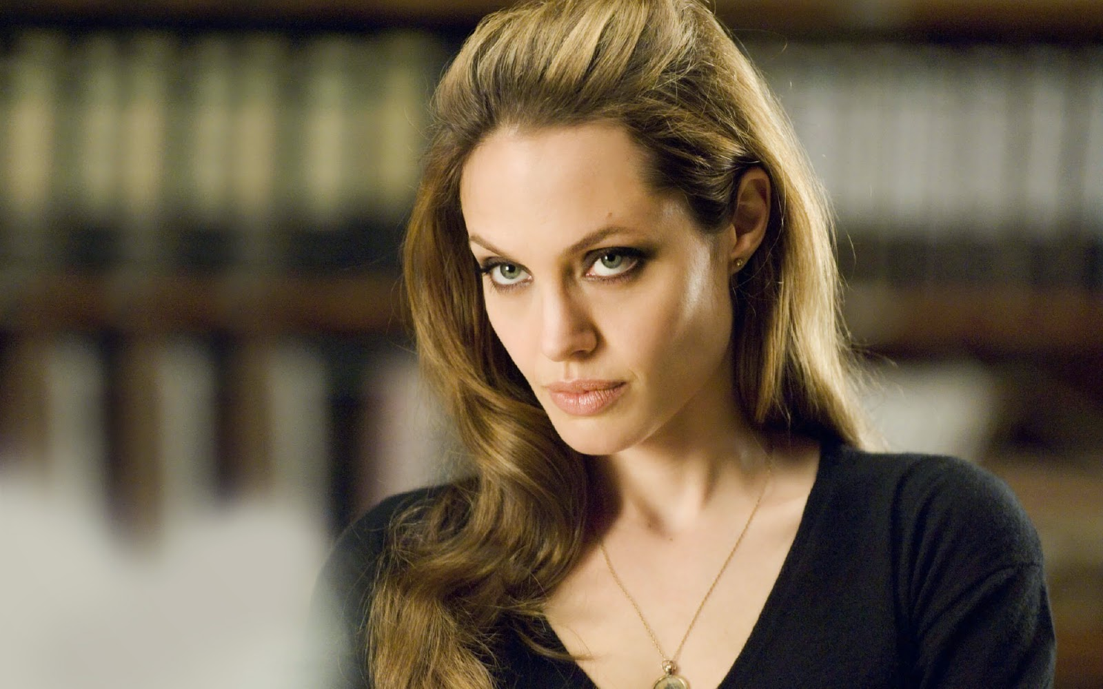 angelina jolie latest free pictures download
