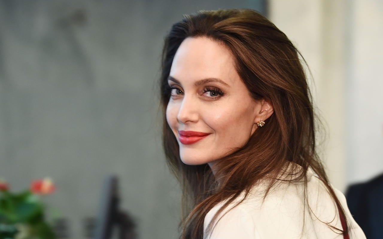 angelina jolie latest images free hd