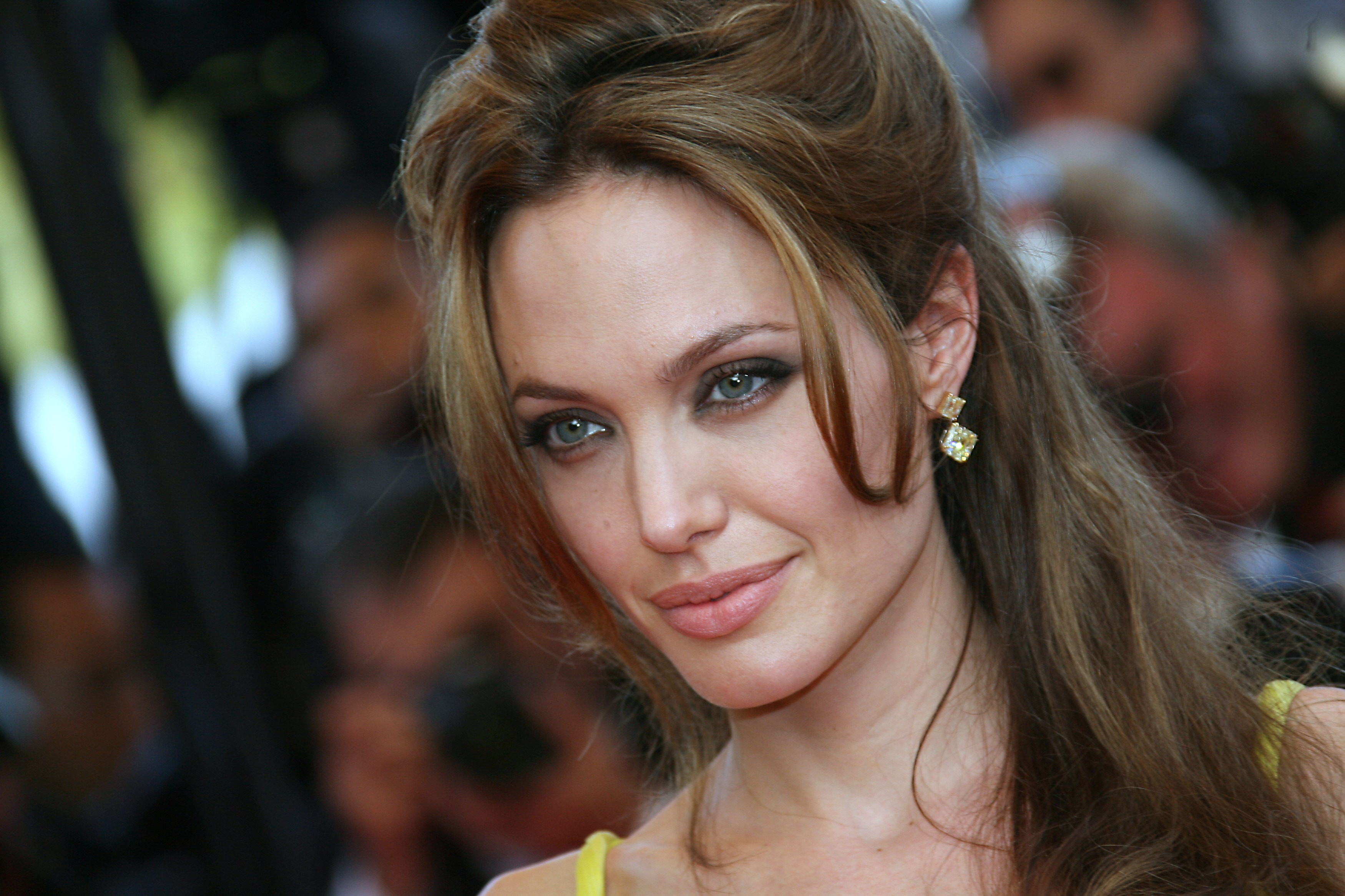 angelina jolie romantic eyes wallpapers hd desktop widescreen background