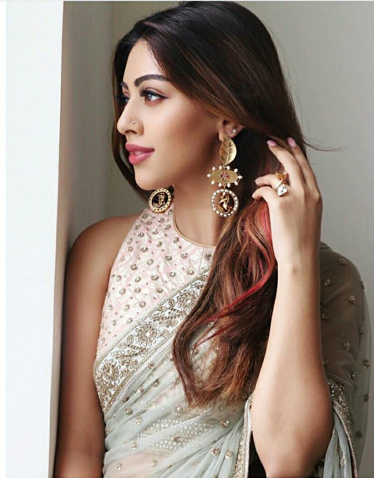 cute anu emmanuel hd photos stills backgrounds desktop free download