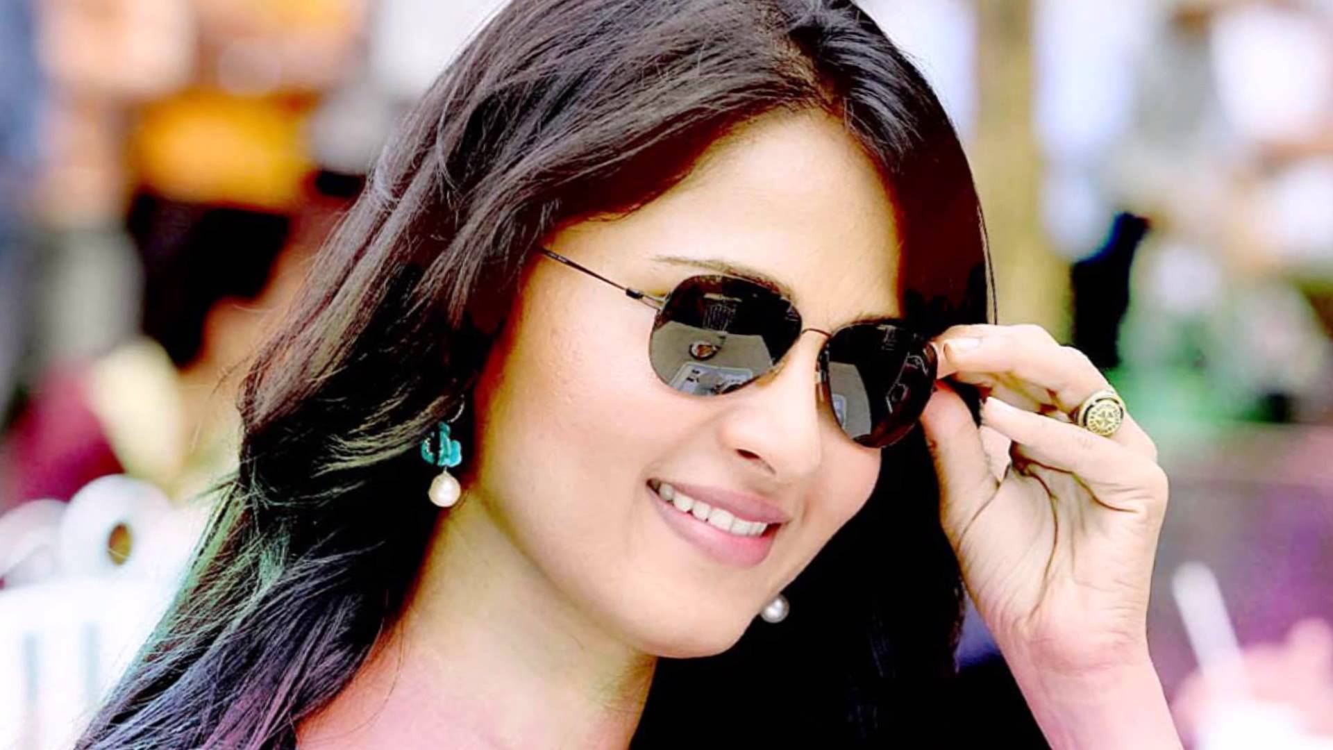 fantastic anushka shetty style desktop mobile free hd background pictures