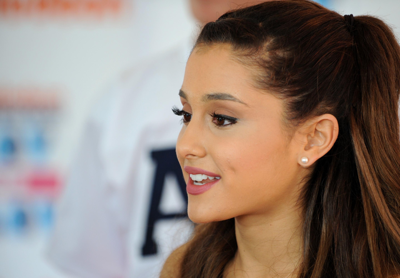 Beautiful Ariana Grande Still Download Hd Free Pics