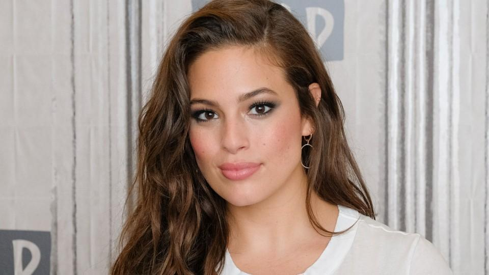 ashley graham hd wallpapers of high quality