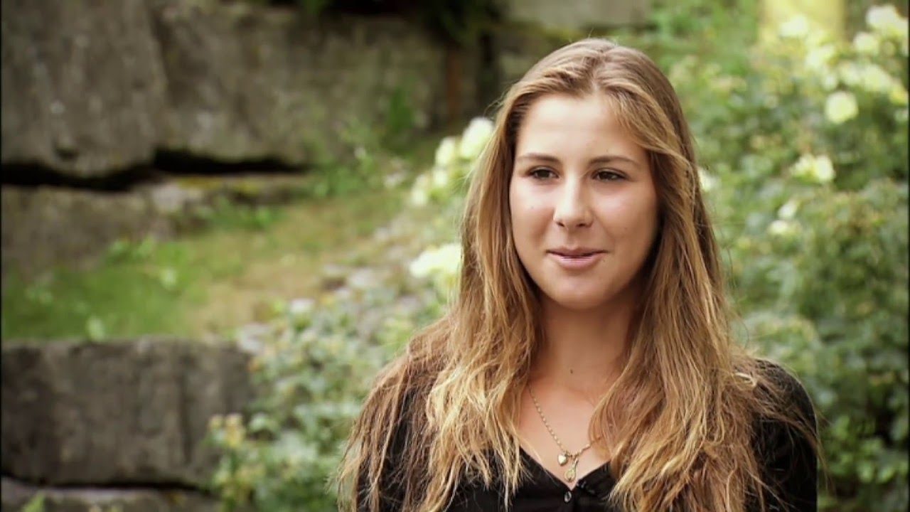 belinda bencic lovely background look hd mobile desktop free images