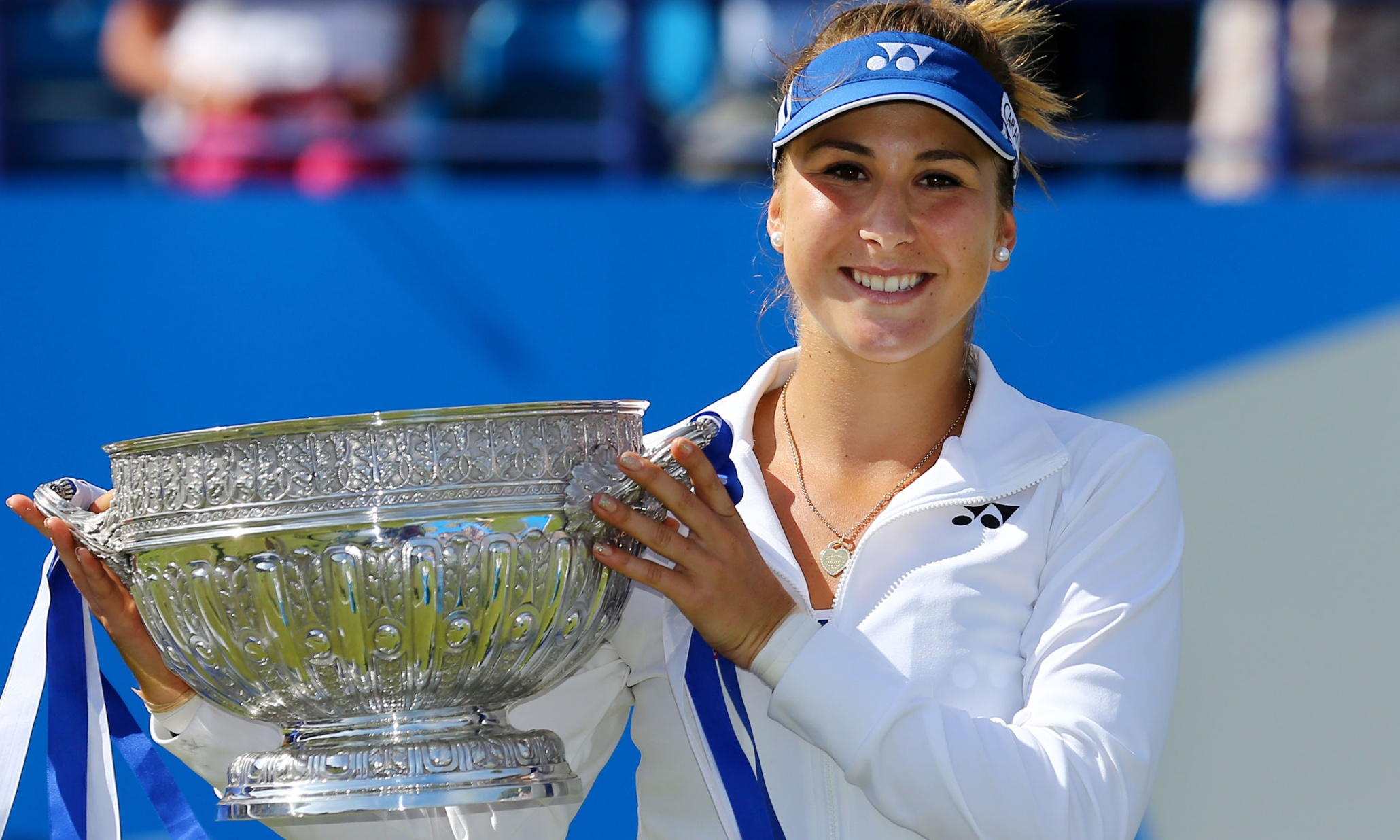 lovely belinda bencic smiling face with cup free mobile desktop hd background wallpaper