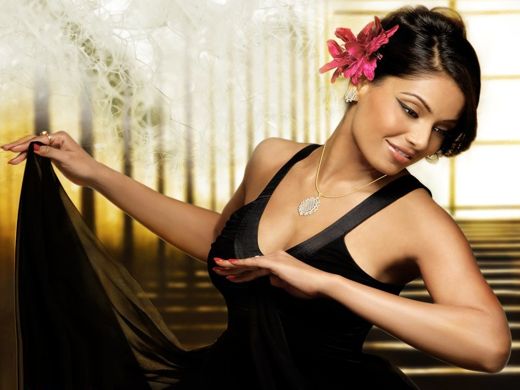 lovely bipasha basu nice photo download free hd background