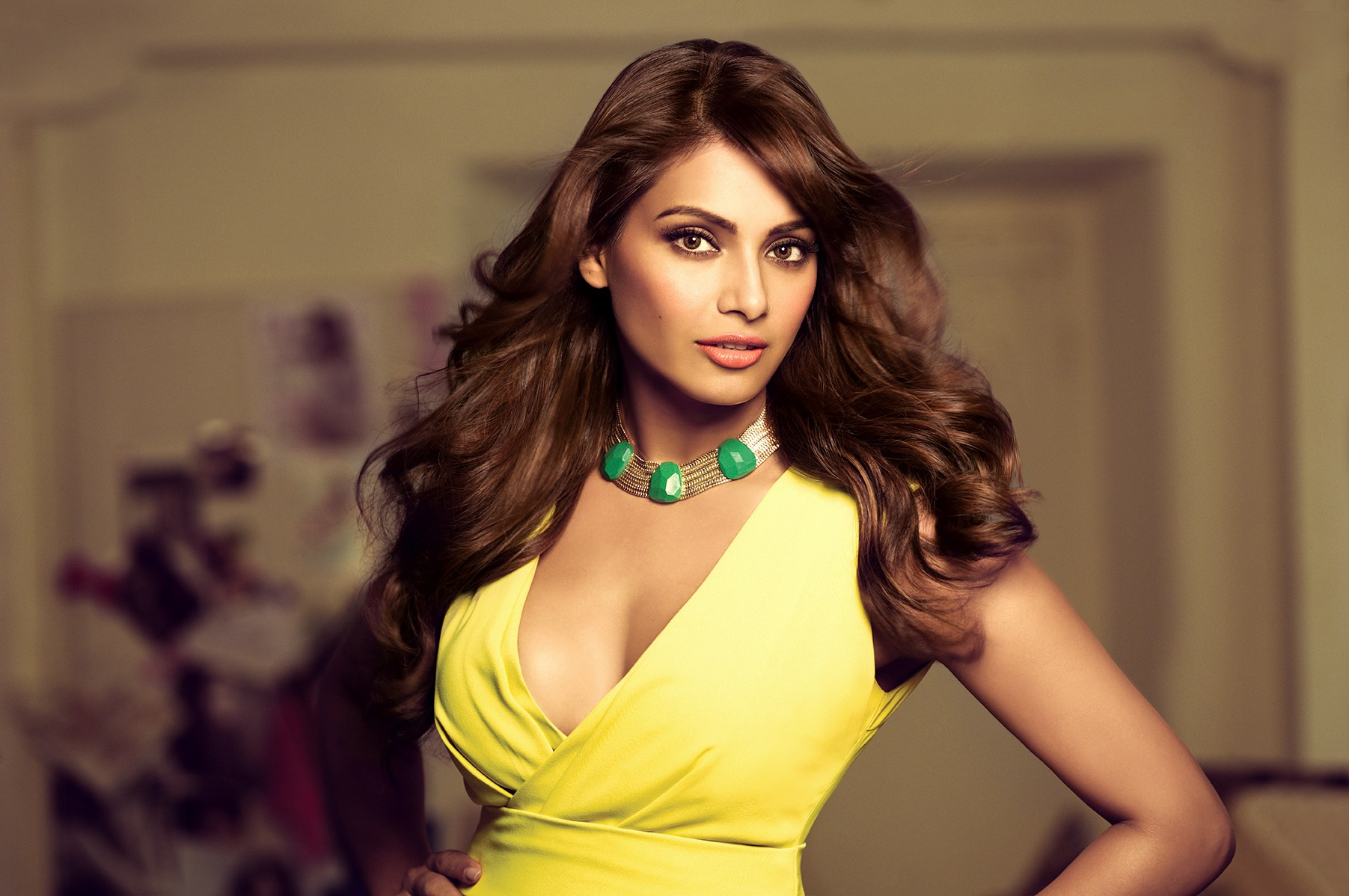 Stunning Look Bipasha Basu Hd Wallpapers