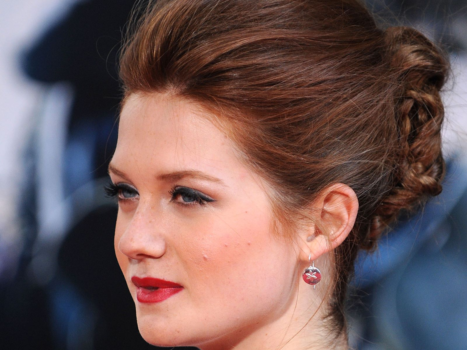 bonnie wright side face desktop download nice wallpapers
