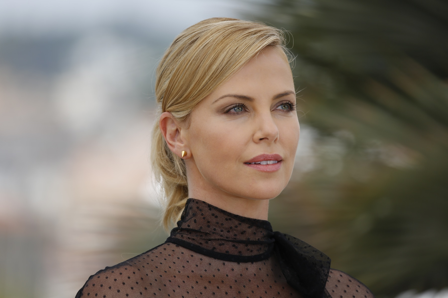 cute charlize theron stylish look free hd download laptop photos