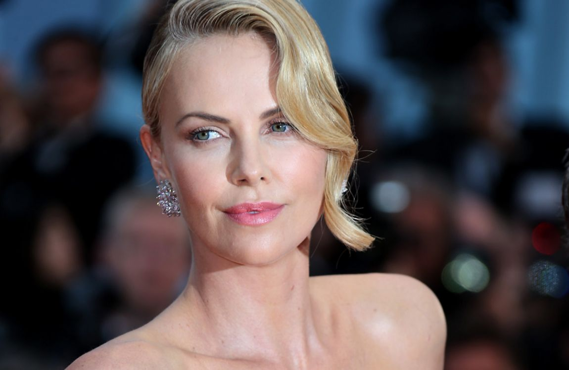 Desktop Exclusive Charlize Therons Image Free Download