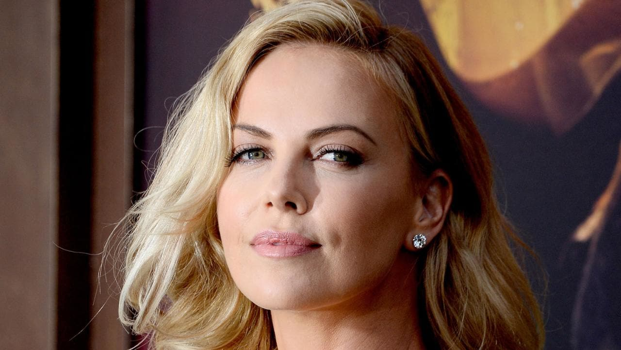 Desktop Exclusive Charlize Therons Photos Free Download