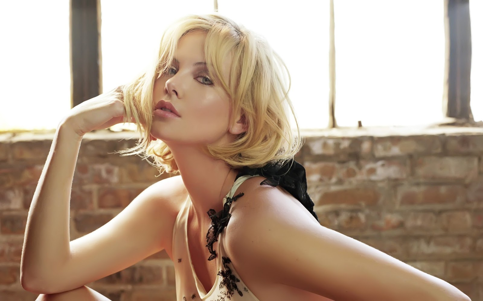 hd awesome charlize therons wallpaper