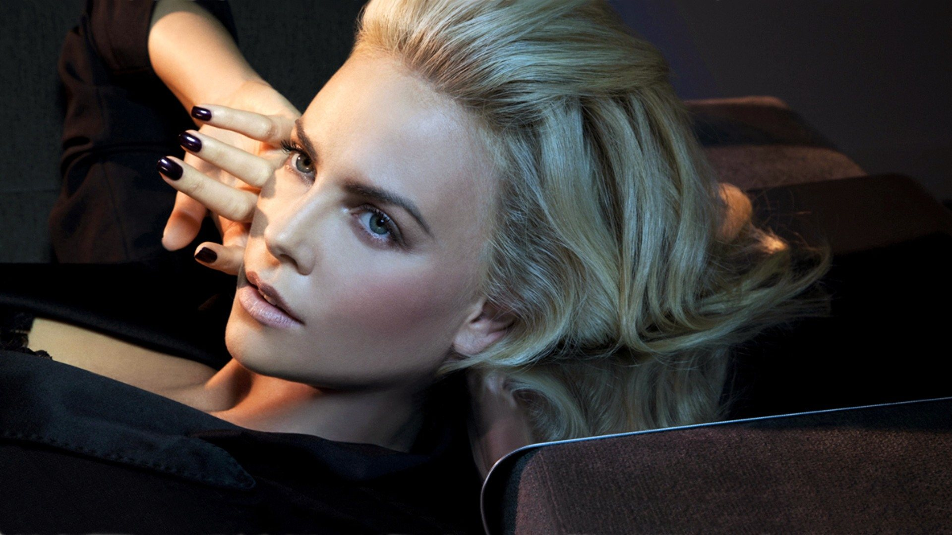 hd stunning charlize theron photo