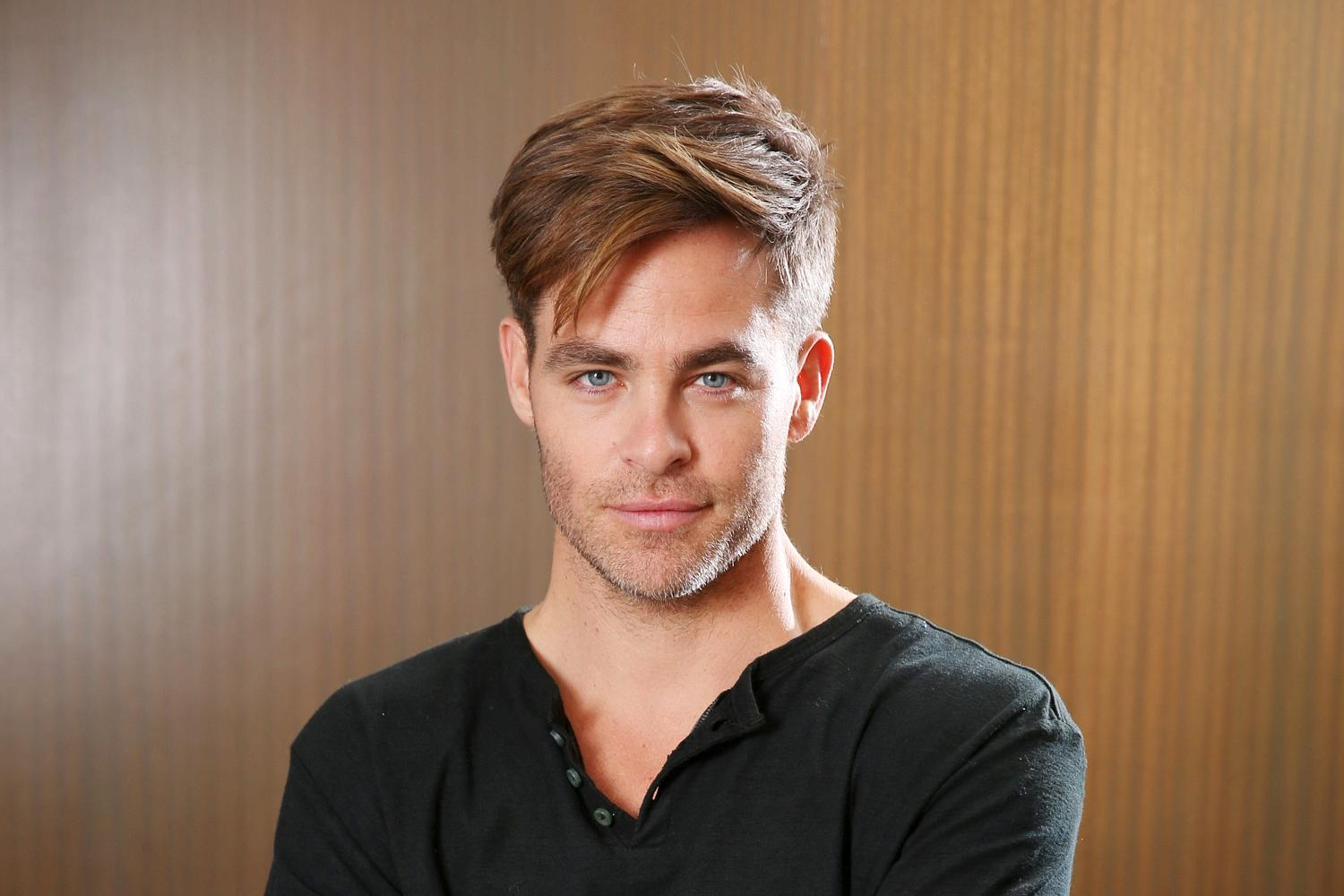 awesome chris pine pictures free download