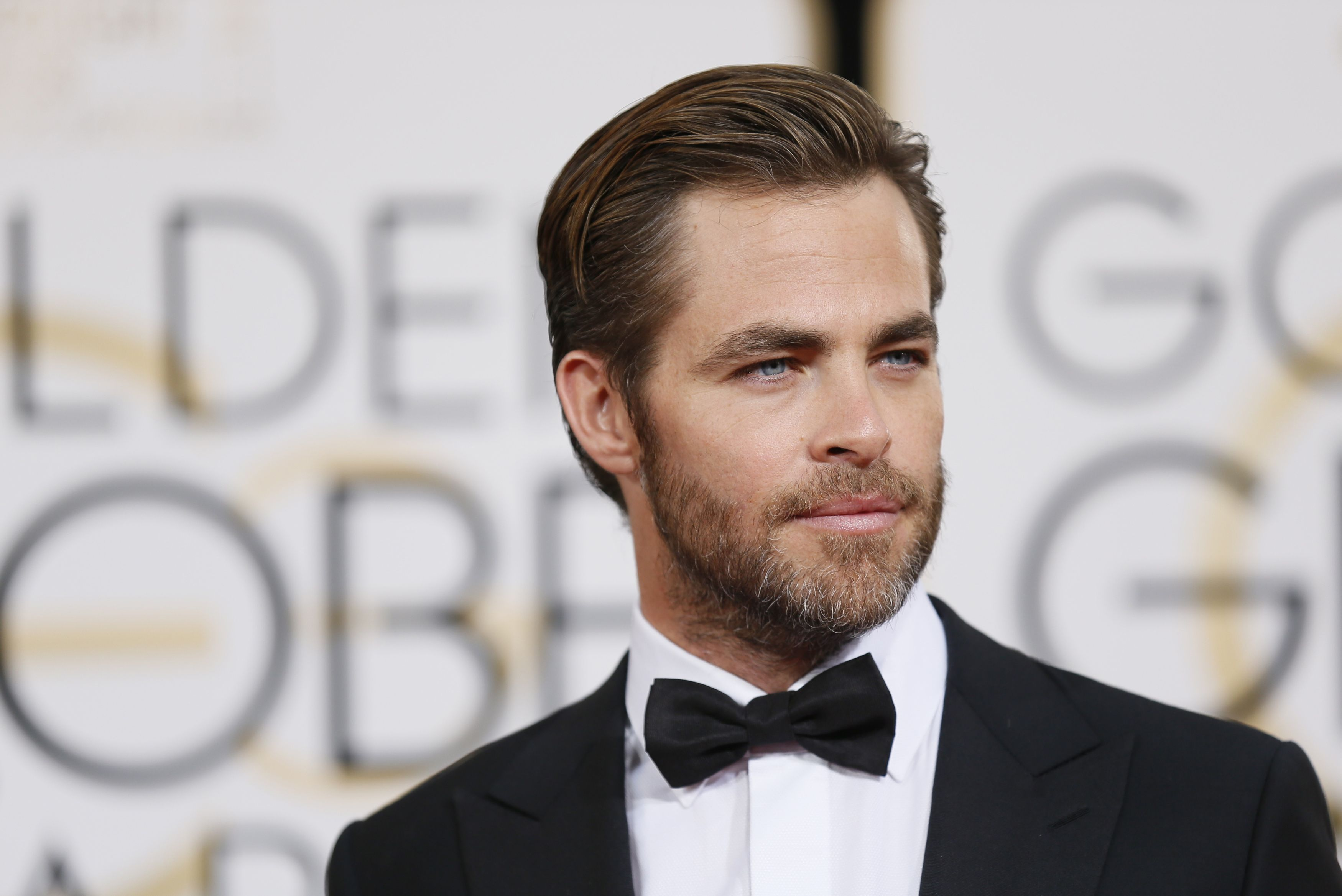 chris pine wallpaper hd download