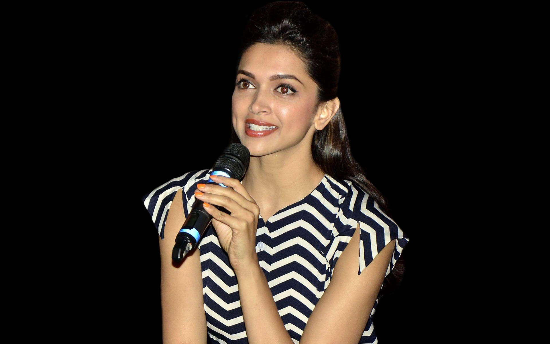 Deepika Padukone Gorgeous Look Free Hd Images