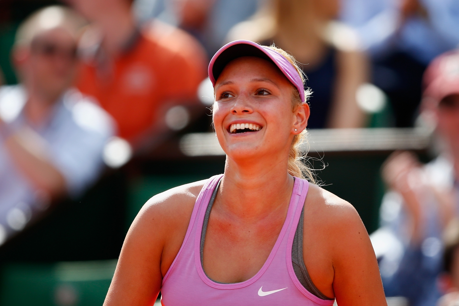 cute donna vekic smiling face hd mobile desktop background free photos