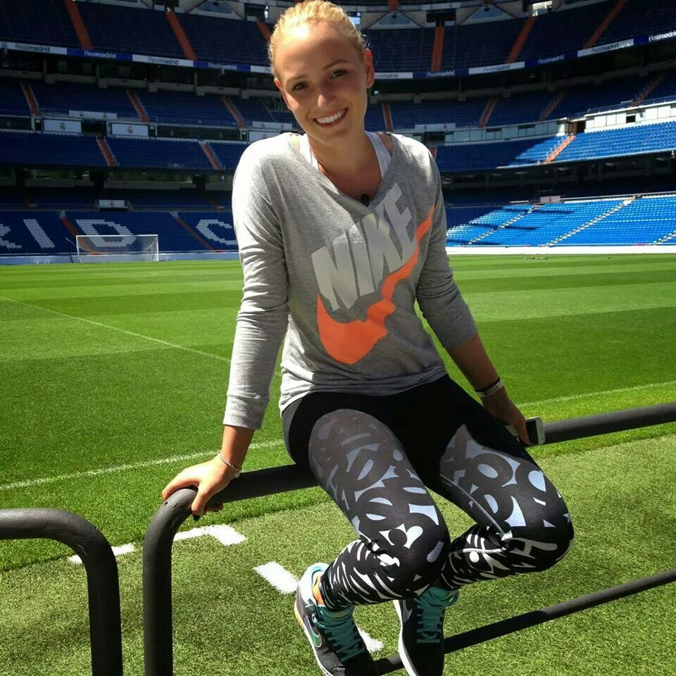 free donna vekic smiling face in stadium still mobile download background hd photos