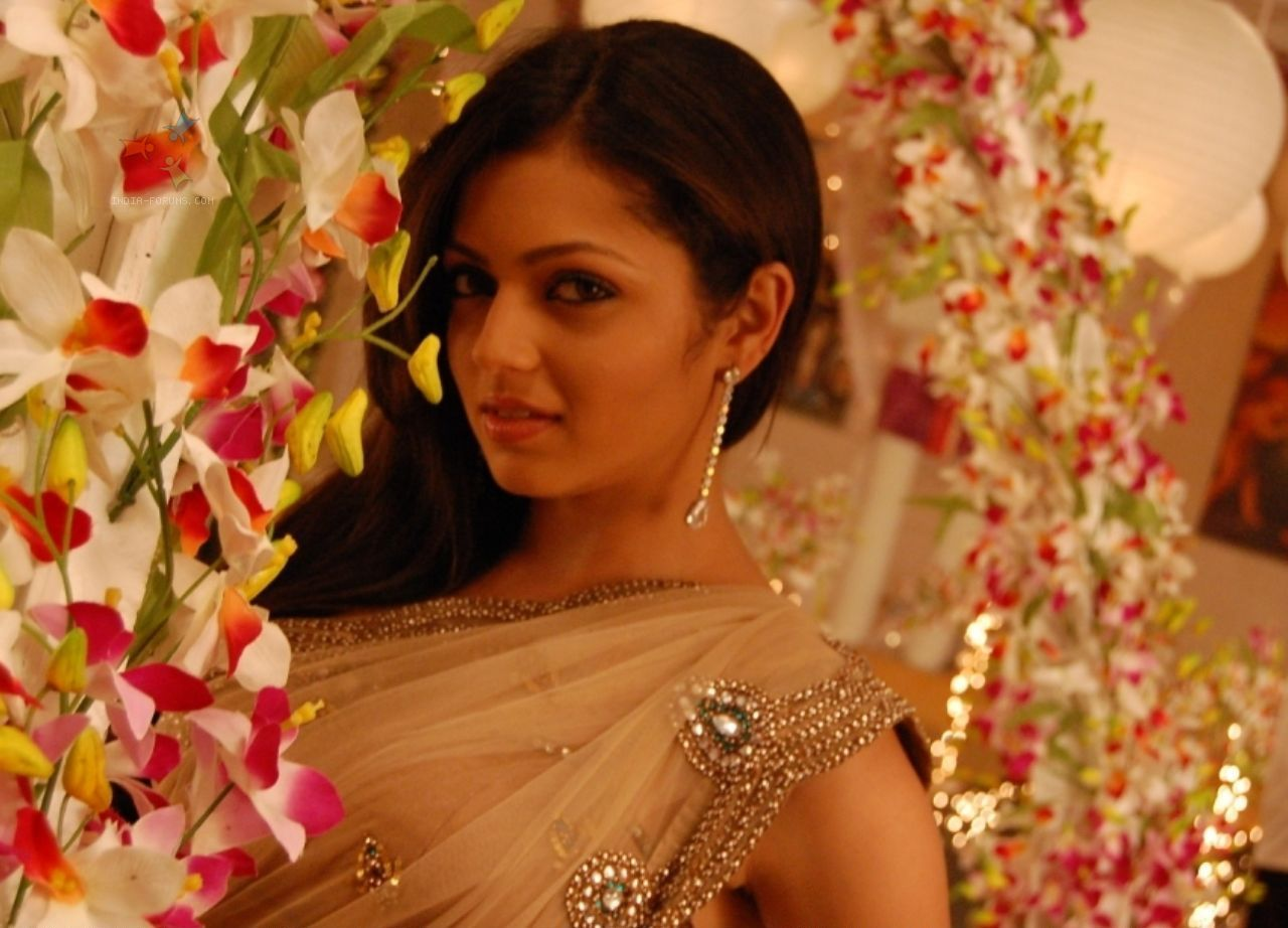 beautiful drashti dhami smile face free mobile background photos hd download
