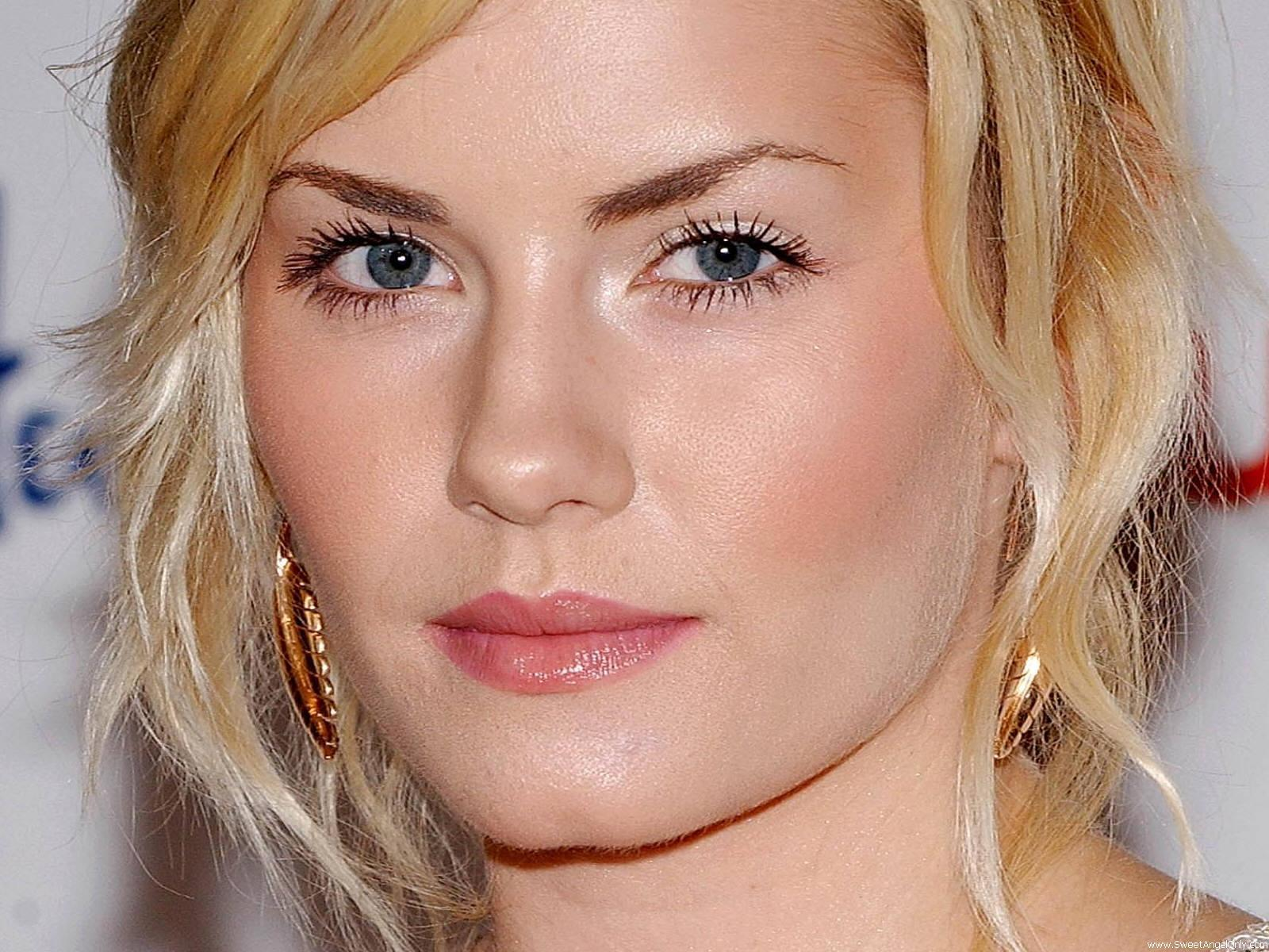 Free Pleasant Elisha Cuthbert Photo For Mobile