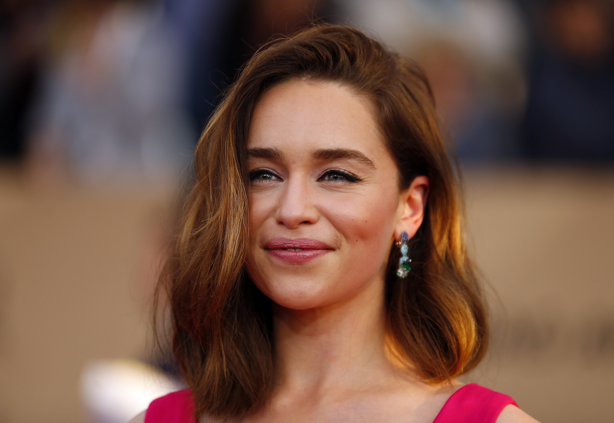 fantastic emilia clarke lovely smiling face look still free desktop mobile hd background images