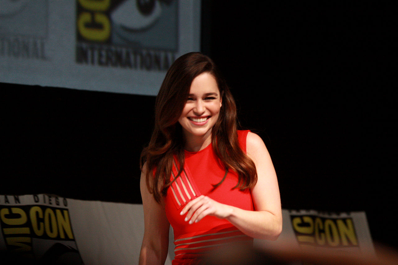 Free Emilia Clarke Cute Side Pose With Black Dress Background Mobile Hd Download Photo