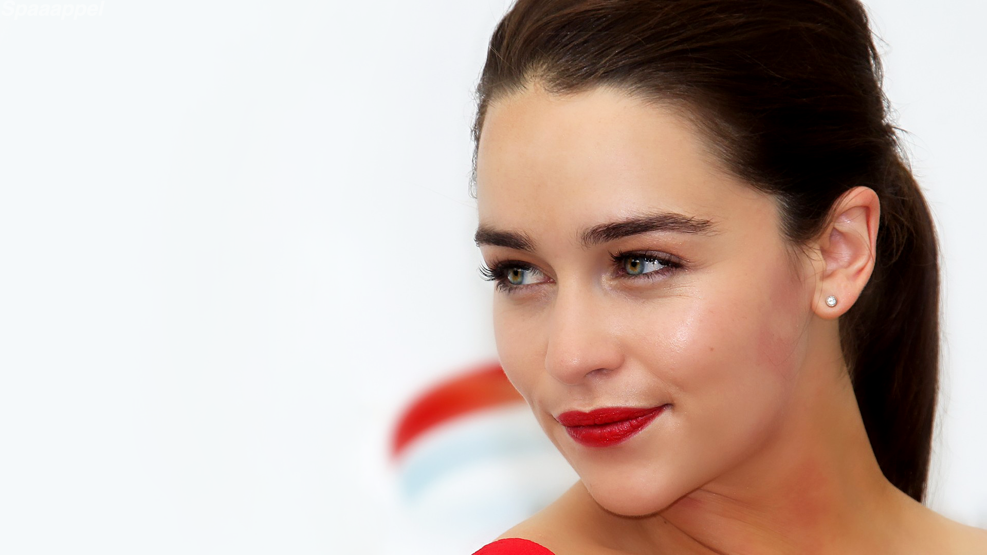 wonderful emilia clarke beautiful eye and attractive lips still free desktop hd mobile background images