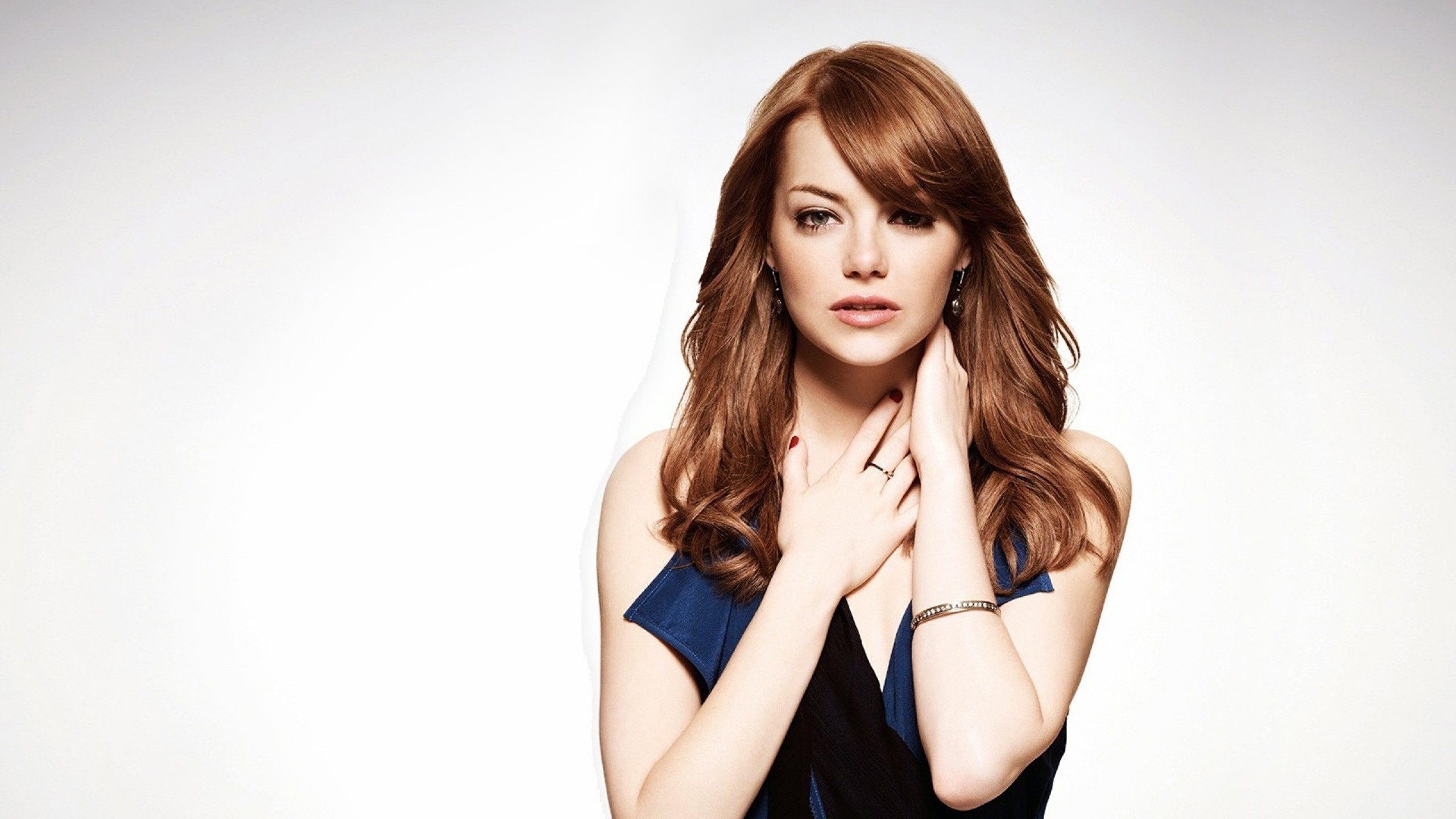 Hd Emma Stone Wonderful Stylish Pose Still Mobile Background Free Download Images