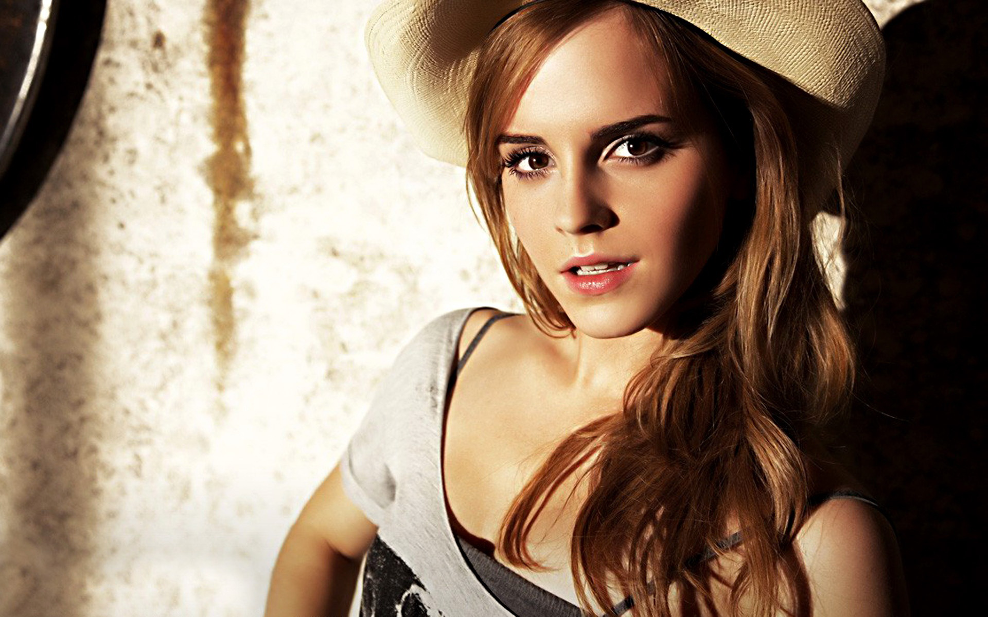 Free Emma Watson Mobile Download Lovely Cute Face Look Background Hd Images