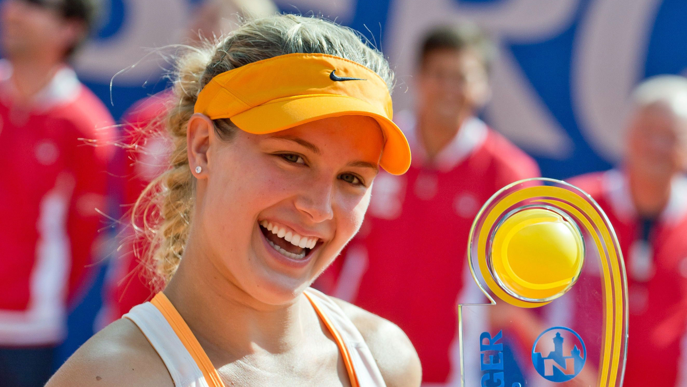 Amazing Eugenie Bouchard Beautiful Smiling Look Still Mobile Background Free Hd Desktop Wallpaper