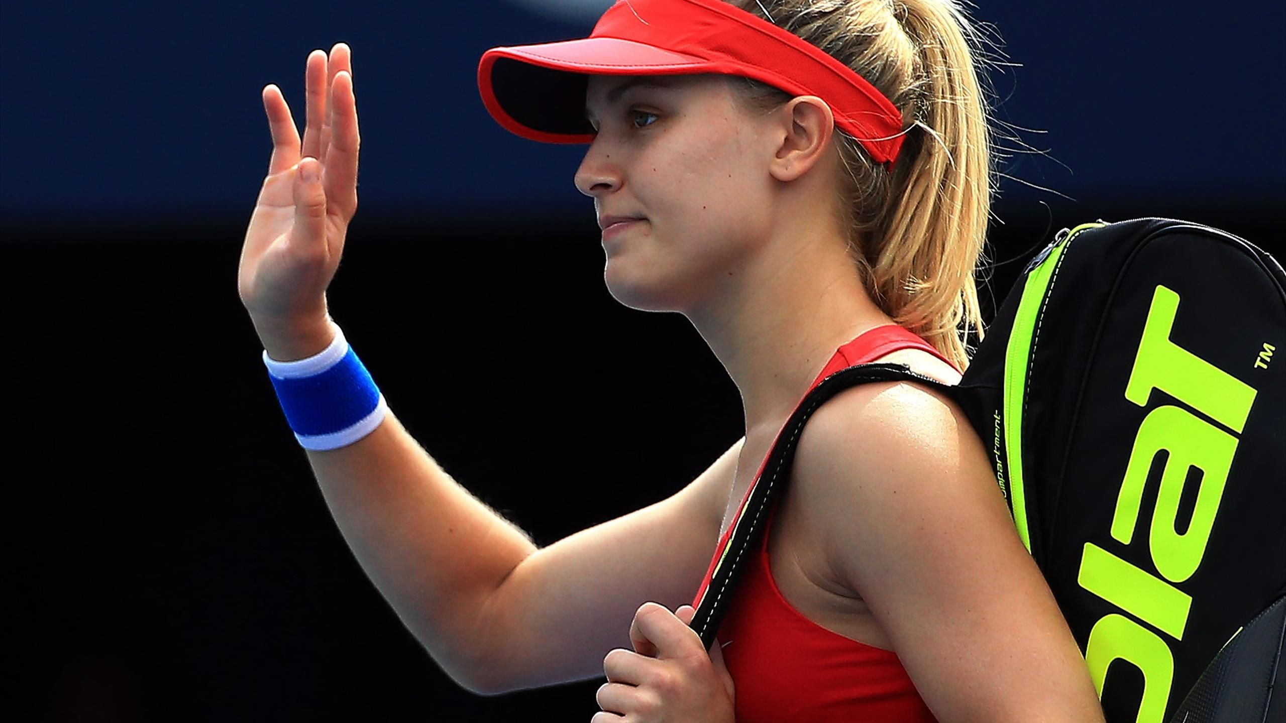 Desktop Eugenie Bouchard Beautiful Showing Hands To Audience Still Mobile Background Free Hd Pictures